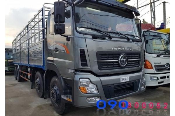 Xe tải Dongfeng 4 chân Trường Giang 18.7 tấn thùng mui bạt